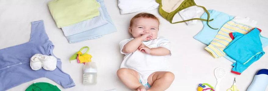 Quels vêtements bébé garçon faut-il prévoir